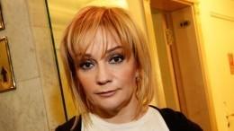 Буланова неможет определиться: «Брюнетка или блондинка?»