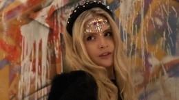 «Прелестный ангел»: Дочь Александра Малинина показала наряд наХэллоуин— видео