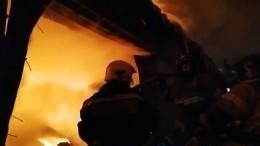 Пожар произошел назаводе вТатарстане наплощади 4 тысячи квадратных метров