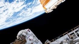 Соцсети под впечатлением отжуткого видео спящих космонавтов