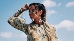 «Бузова лысая»: Рустам Солнцев уверен, что певица умело скрывает это отфанатов