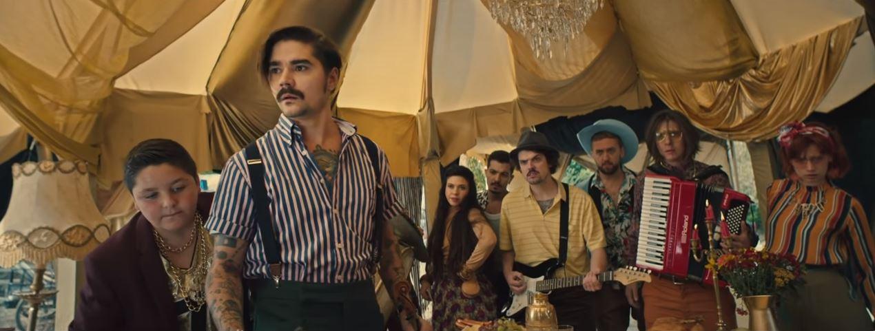 Кадр из клипа «Все сразу»