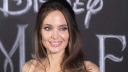 Анджелина Джоли призналась взависимости отБрэда Питта