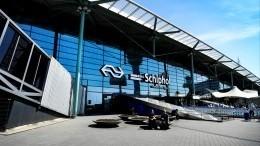 Пассажиры покинули самолет вАмстердаме, вкотором произошел «подозрительный инцидент»