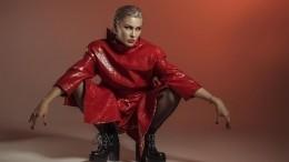 Чистый секс: певица Maruv взорвала сеть выступлением влатексном боди