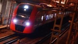 Видео: восемь вагонов находу отцепились отпоезда под Белгородом