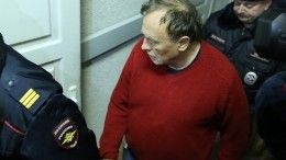 Доцента Соколова, обвиняемого вубийстве студентки, привезли наследственные действия