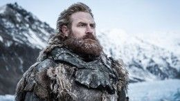 Звезда «Игры престолов» засветился вВеликом Новгороде— видео