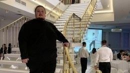 «Безмерно благодарен»: Сын Никаса Сафронова обратился кюзерам после инцидента втуалете самолета