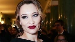Молодая жена Бориса Грачевского вышла всвет сокруглившимся животом