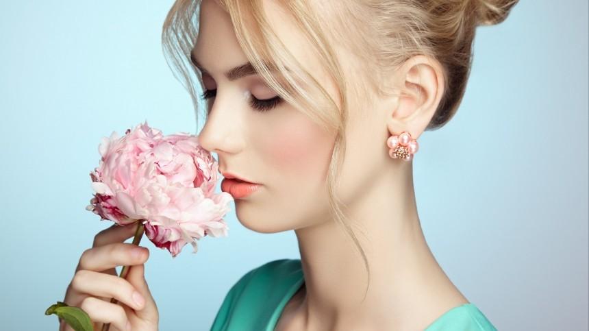 Секреты макияжа: Как подобрать розовый оттенок румян?