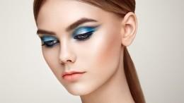 Секреты макияжа: Как быстро ировно нарисовать стрелки