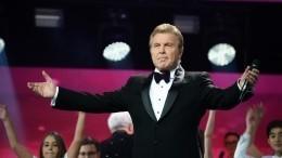 «Скаждым может быть»: Лещенко заступился заисковеркавшую его фамилию Бузову