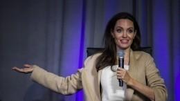 «Она всегда еепривлекала»: Анджелина Джоли завела роман смолодой актрисой