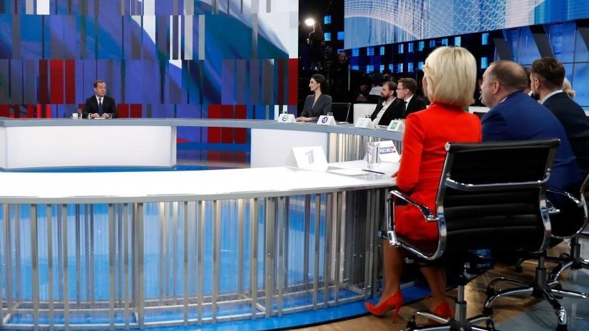 Михалкова предложила Медведеву работать смолодежью всоцсетях