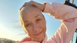 Седовласая возлюбленная Киану Ривз рада выводам ученых овреде краски для волос