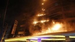 Более 400 человек эвакуировано из-за пожара вотеле вПаттайе