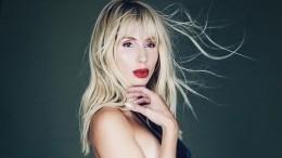 «Тыопять голая?»: Лобода оценила наряд Лолиты на«Песне года»