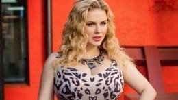 «Высдетства красавица»: Анна Семенович растрогала подписчиков детским снимком