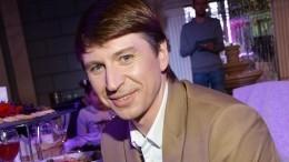 «Приложиться кматеринской груди»: Ягудин выложил пикантное фото сБледанс