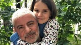 11-летняя дочь Сосо Павлиашвили раскритиковала Департамент образования— видео
