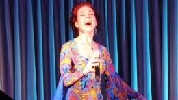 «Она ушла всекту»: Анна Большова призналась, что 20 лет необщается сматерью