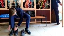 Эвакуация детей вшколе Петербурга после ложного звонка оминировании привела кдавке