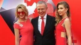 Фетисов опроверг слухи, что его дочь неговорит по-русски