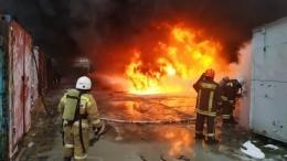 Прогремела серия взрывов при тушении пожара назаводе вЕкатеринбурге