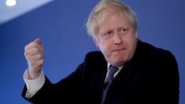 Борис Джонсон испугался вопросов журналистов испрятался вхолодильнике