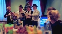 Половина россиян оплачивают корпоративы изсобственного кармана