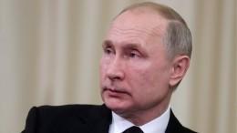 Владимир Путин заявил обукреплении позиций РФнаглобальном рынке вооружения