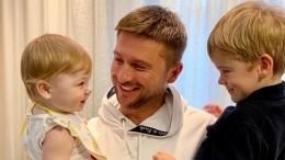 Сергей Лазарев ответил навопрос осуррогатной матери своих наследников
