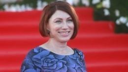 «Приехала без предупреждения»: Роза Сябитова рассказала оженитьбе бойфренда