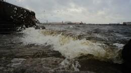 Разрушительный циклон сСеверо-Запада устремился вглубь России