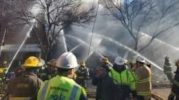 Два человека погибли врезультате мощного взрыва вжилом доме вФиладельфии