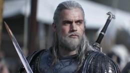 «Жалкая пародия»: Критик назвал сериал «Ведьмак» попыткой заменить «Игру престолов»