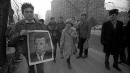 Призрак Чаушеску: кто стоял запервым Майданом вВосточной Европе