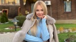 «Шикарная»: Дарья Пынзарь порадовала фанатов фото вбикини ишапочке Санты