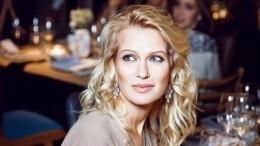 Олеся Судзиловская примерила «космическое» платье— фото