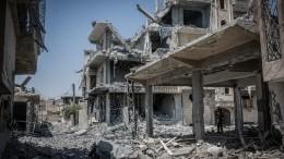 Журналистам восвобожденной сирийской Ракке показали штаб-квартиру ИГ*
