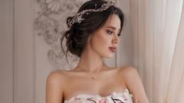 Беременная жена Тарасова внюдовом боди снялась сдочерью