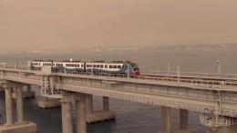 Горячий прием устроили первому поезду изМосквы жители Симферополя