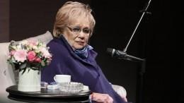 «Умерла наша мама»: Сергей Гармаш сосцены «Современника» объявил осмерти Галины Волчек