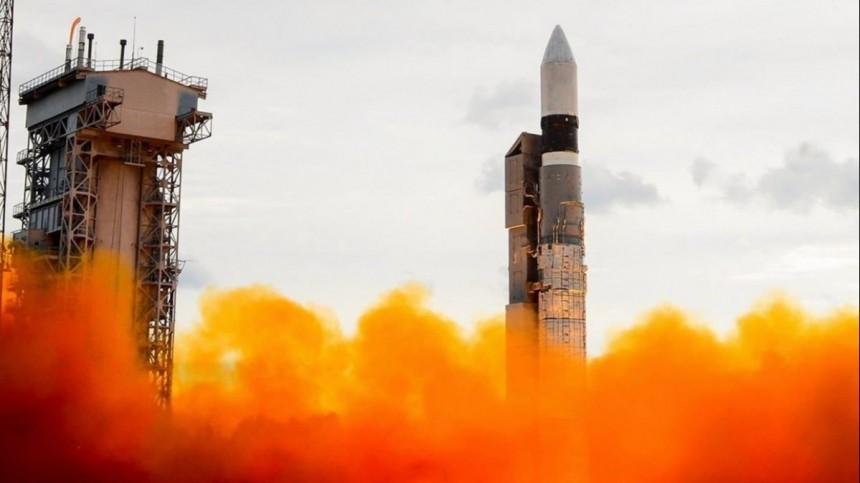 Ракета-носитель «Рокот» успешно вывела наорбиту спутники связи иаппарат военного назначения
