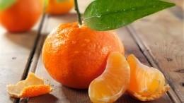 Доктор Мясников предупредил опобочных эффектах при поедании мандаринов