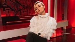 «Клеопатра»: Полина Гагарина появилась нашоу вэкзотичном наряде