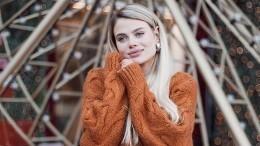 «Нежнее нежности»: Жена внука Пугачевой выложила чувственные фото смужем