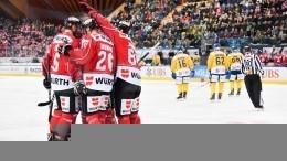 Канада извинилась заповедение капитана молодежной сборной похоккею вовремя гимна РФ