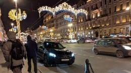 Очевидцы запечатлели «странную» парковку водителя, похожего наБоярского
